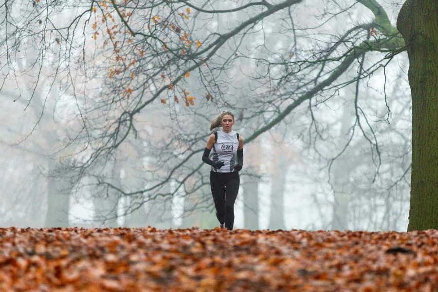 começar a correr e a caminhar